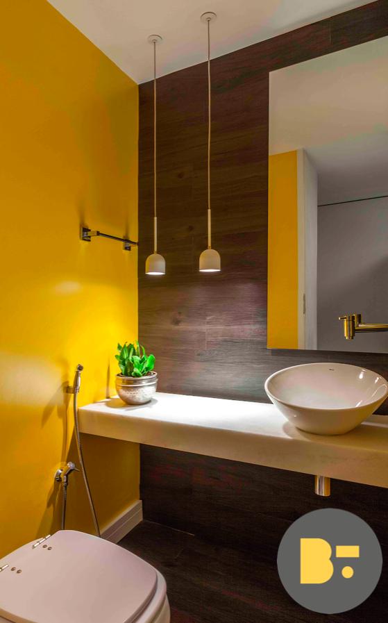 2e1680bd9c Se a ideia for levar o amarelo para as paredes, o ideal é que se escolha  uma ou duas paredes do ambiente, como fizemos neste lavabo, onde a cor se  harmoniza ...